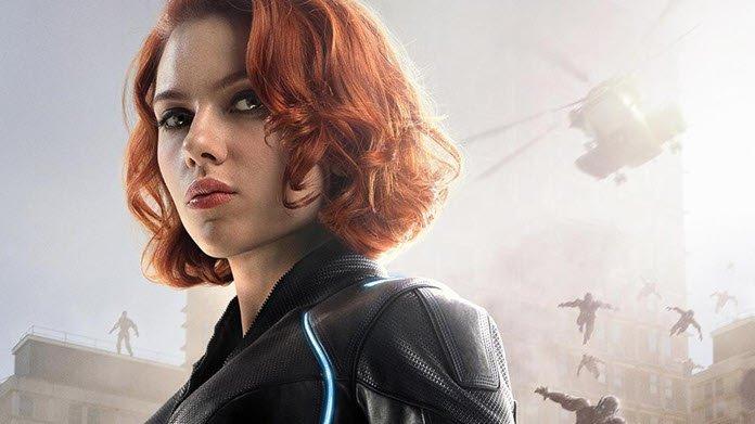 Imágenes muestran a Natasha en 'Black Widow' con pose de superhéroe