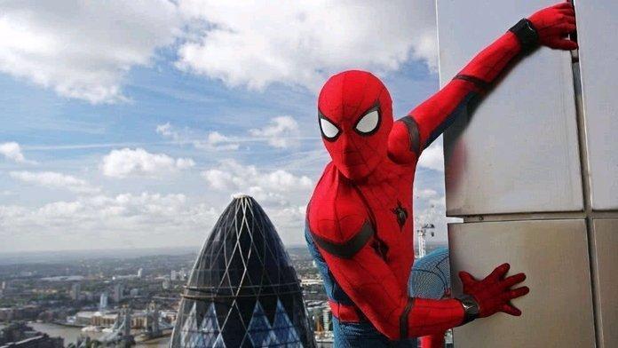 Spider-Man sigue apareciendo en artes promocionales de Disney