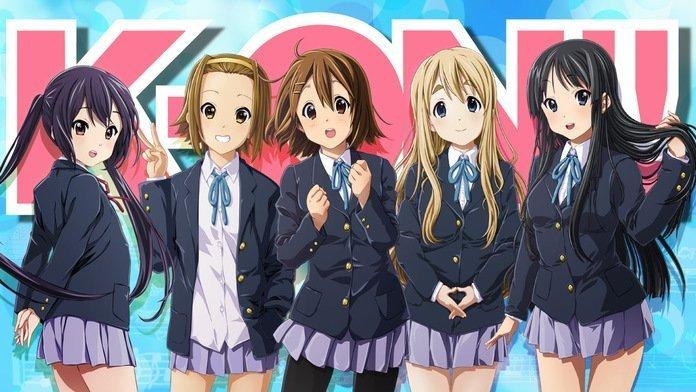 Imagen promocional de K-on con las protagonistas alineadas y mirando a la cámara.