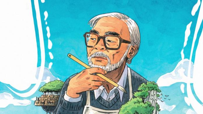 Ilustración de Hayao Miyazaki con expresión pensativa mientras mira a la izquierda y al fondo se el cielo azul.