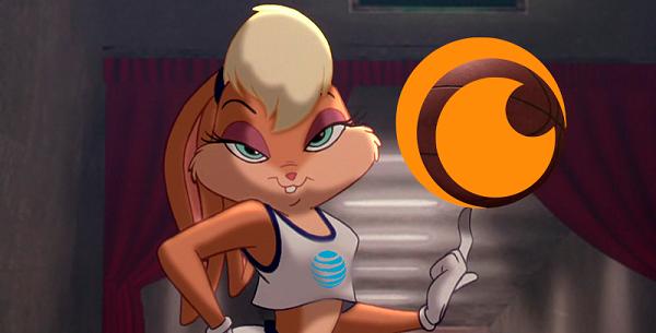 Imagen de Lola Bunny girando un balón de baloncesto que tiene el logo de Crunchyroll.
