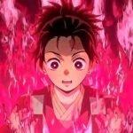 Tanjiro tiene una expresión de sorpresa mientras está rodeado de flamas color fucsia