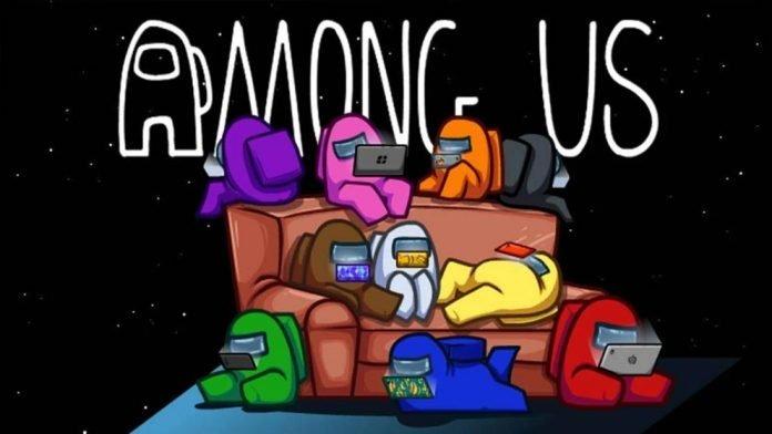 Tripulantes de Among Us jugando con dispositivos móviles en un sofá