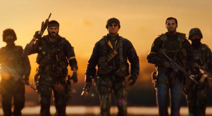 Soldados de Call of Duty: Black Ops Cold War caminando juntos al atardecer