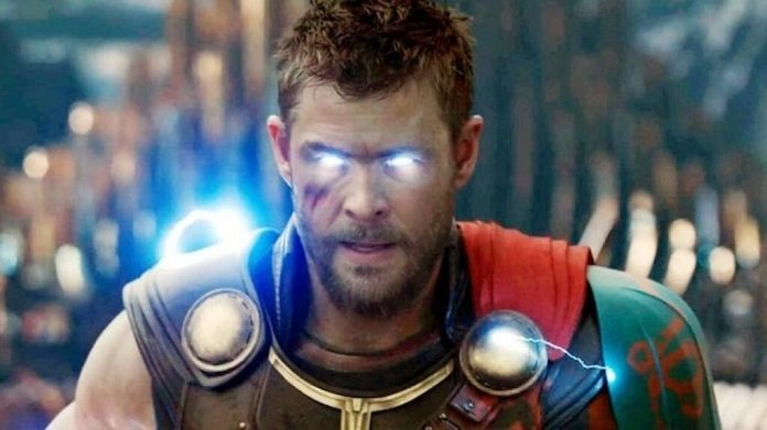 Chris Hemsworth como Thor, el Dios del Trueno, en Ragnarok