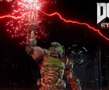 Imagen de un soldado con aspecto de robot, sosteniendo en su mano un enorme rayo que lanza descargas a un lado.