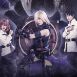 Imagen oficial de Fate/Grand Order THE STAGE con los protagonistas en fila y listos para la.batalla, mientras al fondo se ve humo en un fondo violeta.