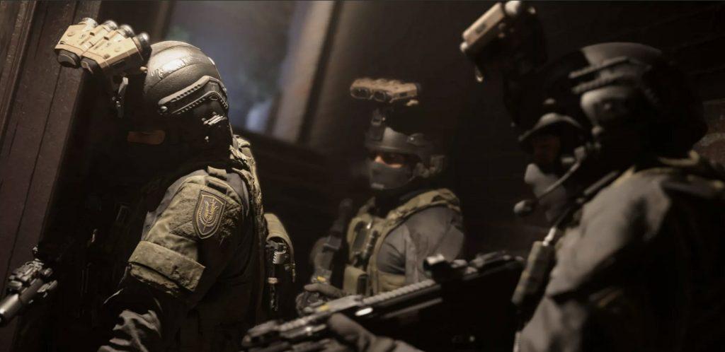 Soldados de Call of Duty preparados para atacar