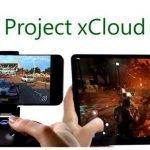 Un smartphone y una tablet en la que se están jugando títulos de Xbox gracias a Project xCloud