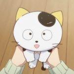 Imagen sacada de una de las temporadas de '3 Choume no Tama: Uchi no Tama Shirimasen ka?' con Tama en el centro tomado en las manos de su amo con expresión de felicidad.