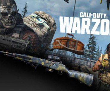 Un soldado montado en un tanque con una mascara de calavera y otro caminando con un fusil en la mano en el juego 'COD: Warzone'