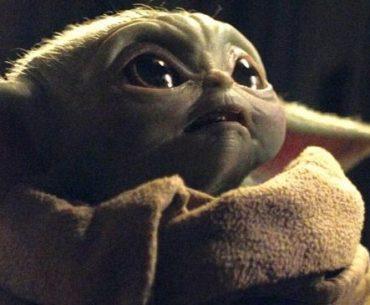 Baby Yoda en escena de The Mandolarian