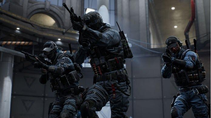 Tres soldados fuertemente armados en CrossfireX