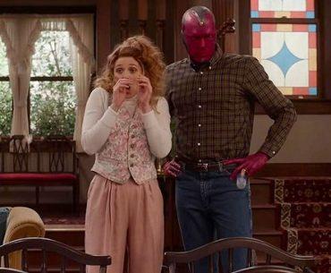 Wanda y Vision en escena de 'WandaVision', la nueva serie de Disney Plus