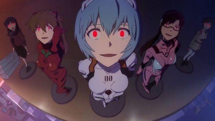 Imagen tomada de 'Rebuild of Evangelion' realizado por Studio Khara con los pilotos alineados como si fueran figuras de colección mirando hacia la cámara con los ojos rojos