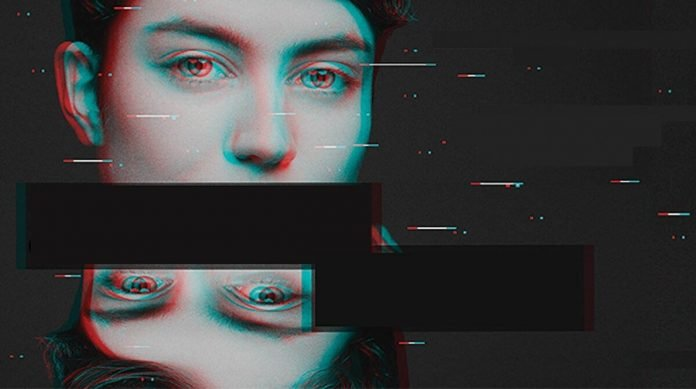 Imagen fragmentada de los ojos de una persona que sufre acoso en línea