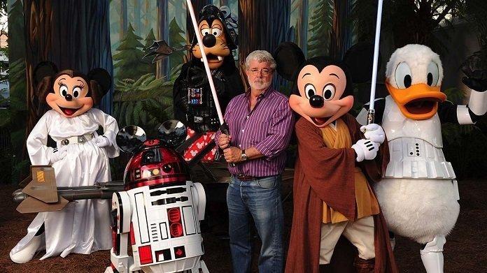 George Lucas con los personajes más populares de Disney