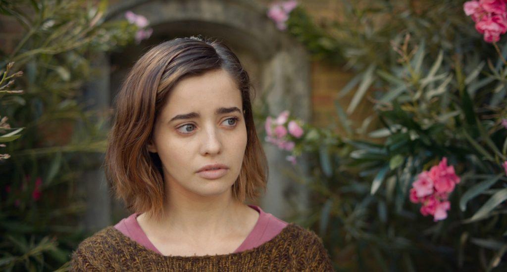 Holly Earl interpreta a Erica