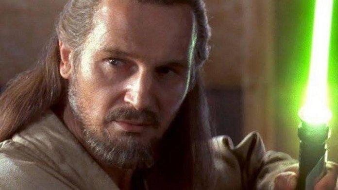 Liam Neeson como Qui Gon Jinn en Star Wars Episodio 1