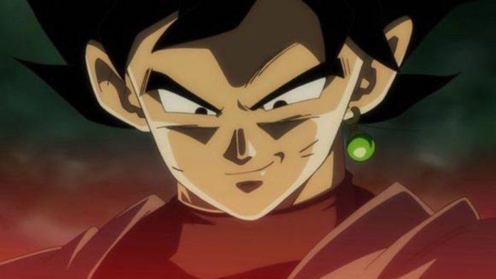 Imagen tomada de 'Dragon Ball Heroes' con un primer plano de Goku Black sonriendo de forma siniestra.