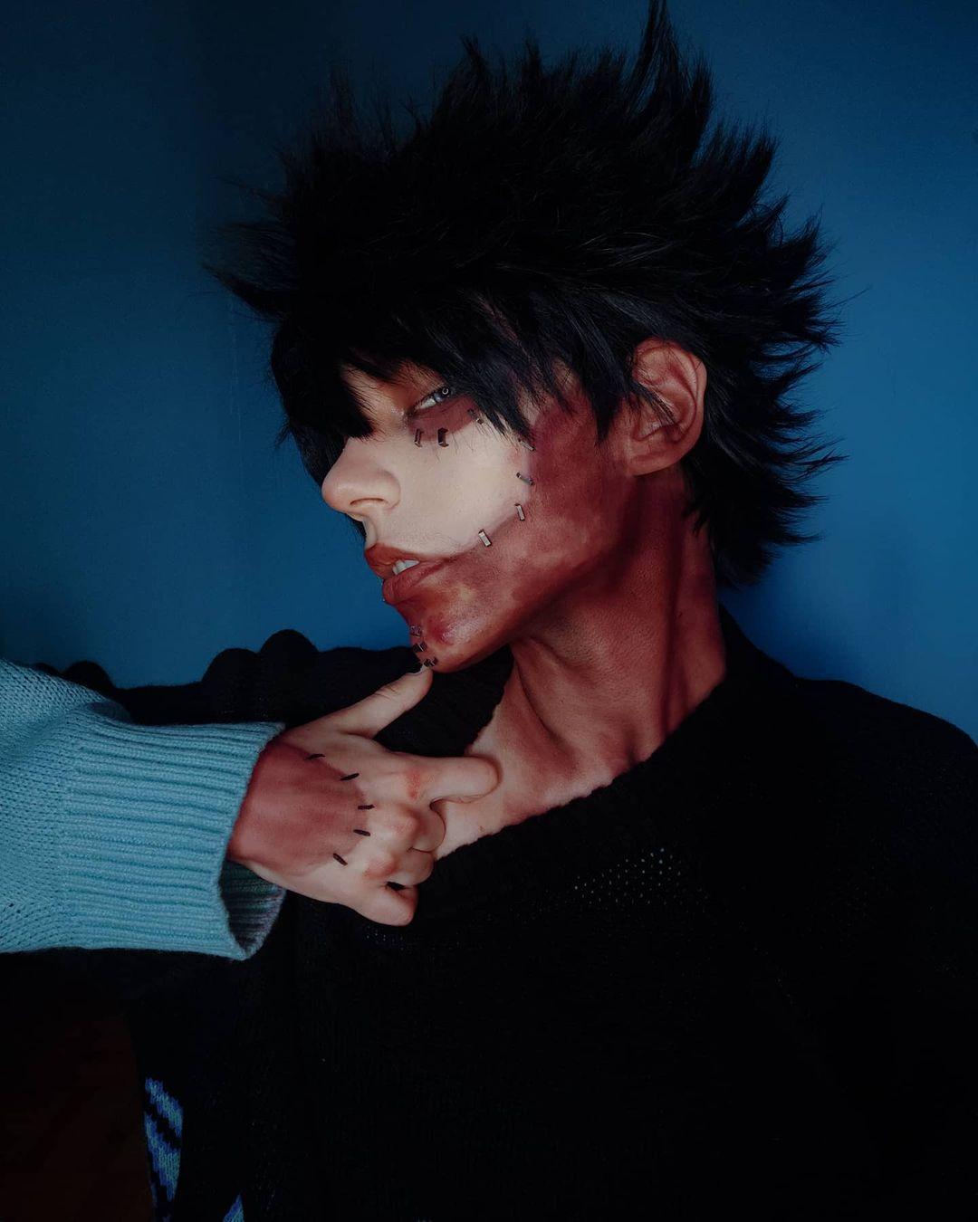 Fotografía del cosplayer Loon como Dabi de 'Boku no Hero Academia'.