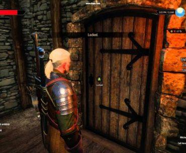 Captura de pantalla de The Witcher III: Wild Hunt, con Geralt de Rivia parado frente a una puerta cerrada