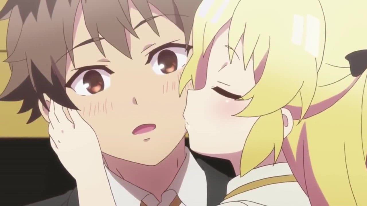 Imagen de un anime lolicon con la chica besando la mejilla de un chico.