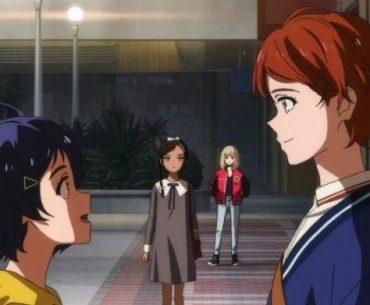 Imagen tomada del anime 'Wonder Egg Priority' con Ai y Momoe mirándose a los ojos.