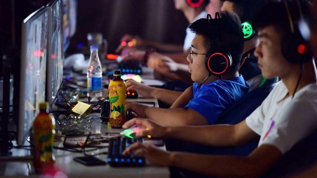 Menores de edad en China solo podrán jugar 3 horas semanales