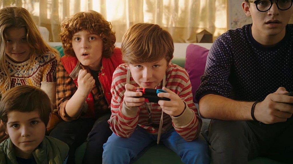 Niño jugando Switch.